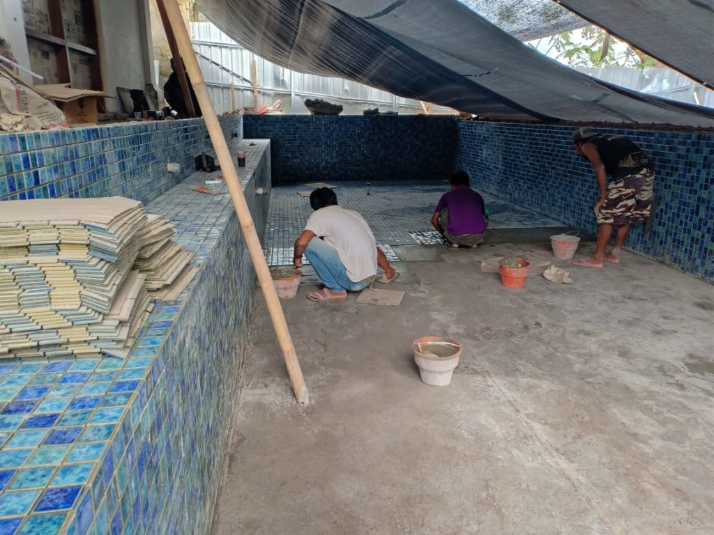 Pemasangan Mosaik Kolam renang